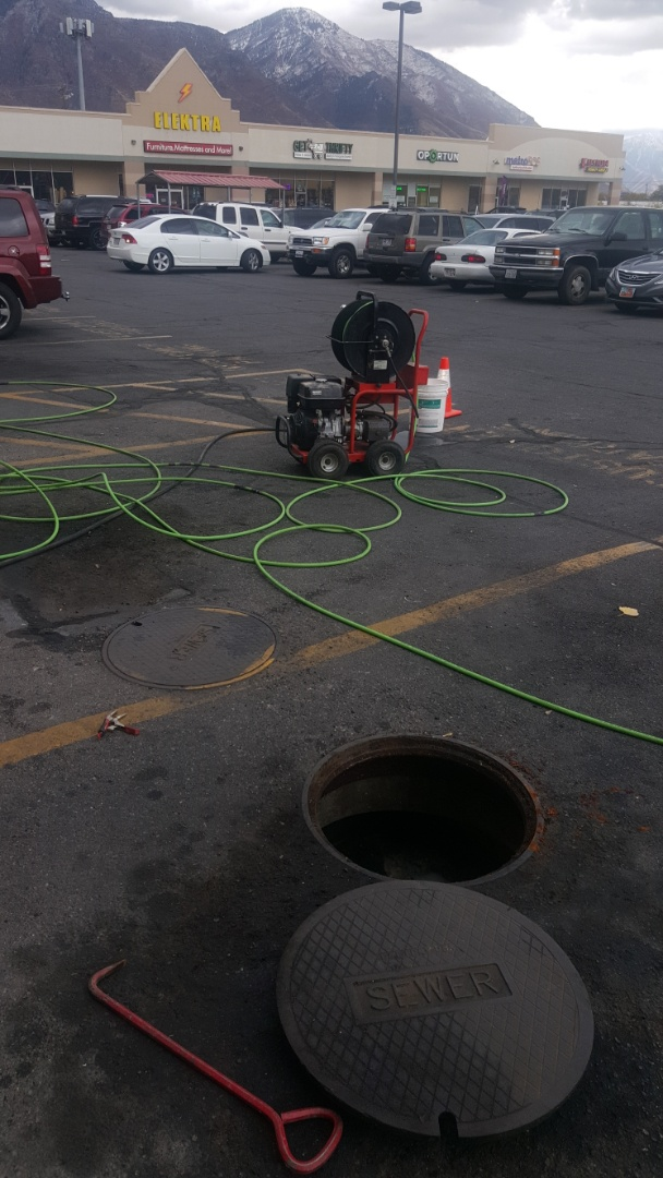 Doing hidro jetting cleaning in main sewer  lines is n commercial building