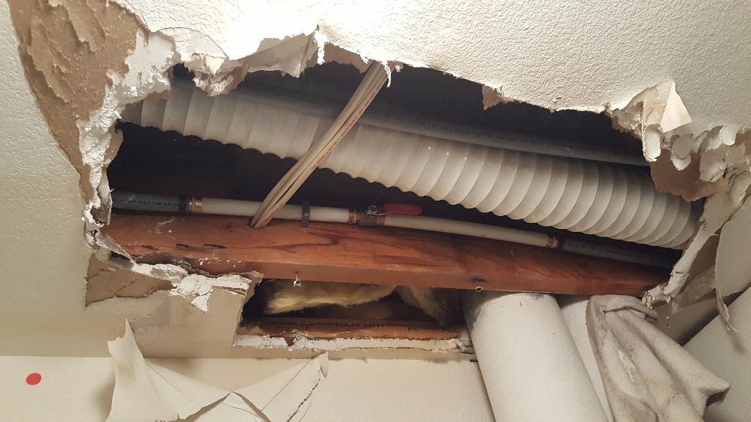 Leaking in the ceiling in west Jordan