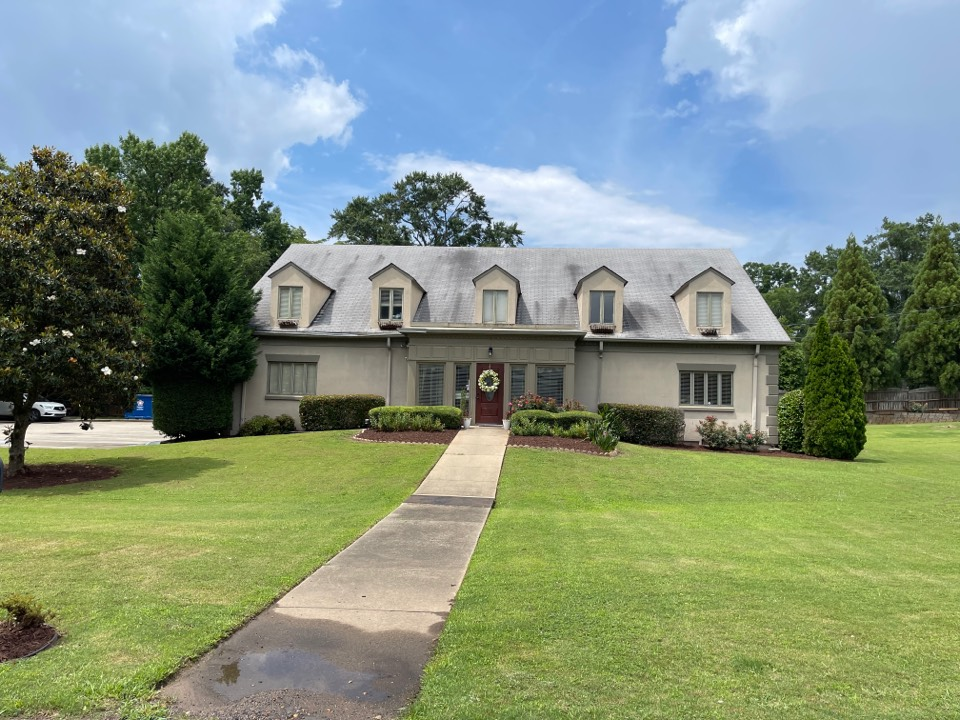 Smyrna, GA - Paramount plastic surgery just got their FREE roof inspection & estimate! Call today for yours!
