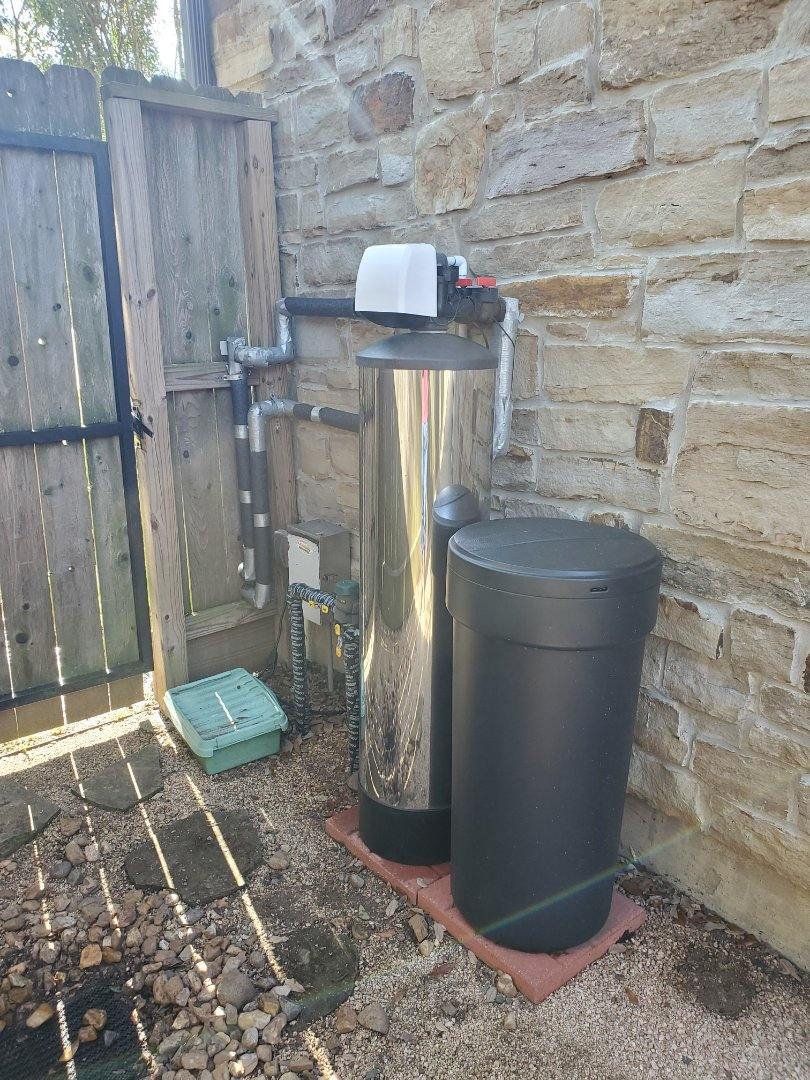 Houston, TX - 1 cubic ft carbon change on chemfree platinum series dual media softener/filter. Also changed watts RO filters and a biocera alkaline adding filter.
