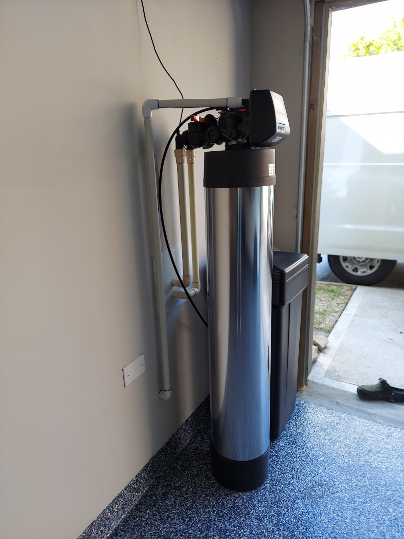 Houston, TX - Install chem-free Platinum series water softener / filter drain to 4-in pipe with air gap p-trap