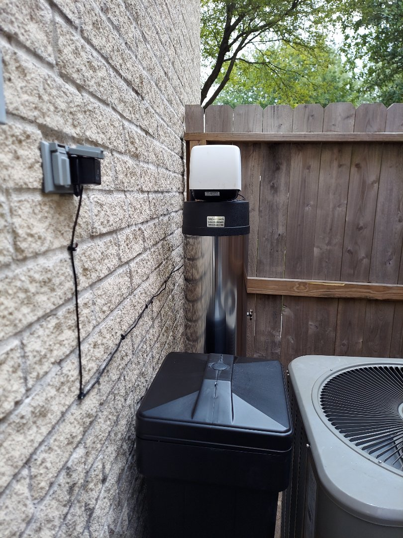Houston, TX - Removed old water softener and replaced with chem free Platinum series softener/filter also installed omnipure reverse osmosis