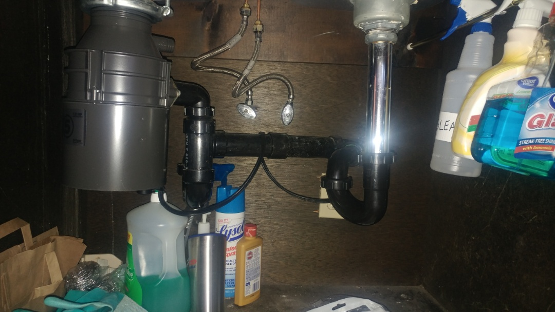 Vallejo, CA - Unclogged a drain under a kitchen sink. I also installed a new P-trap.