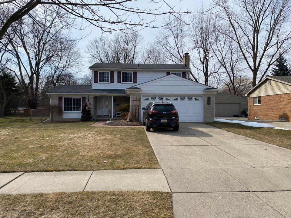 Canton, MI - Kearns Brothers Inc. providing a proposal for a  new GAF Timberline HDZ shingled roof.