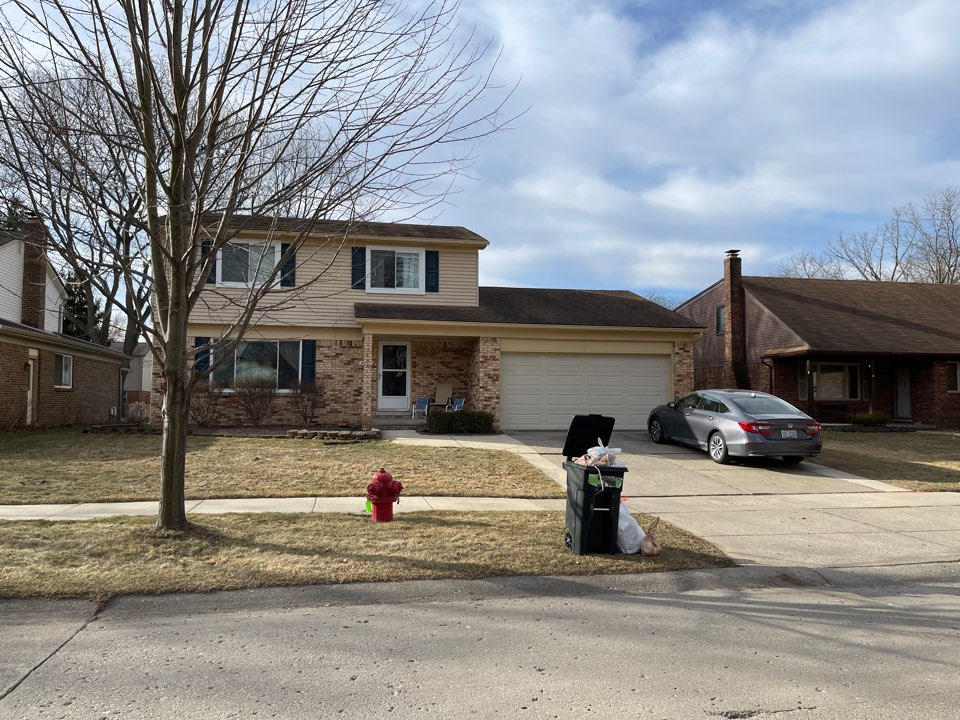 Canton, MI - Richard Rice with Kearns Brothers Inc. to install new GAF Timberline high definition shingle with ridge vents