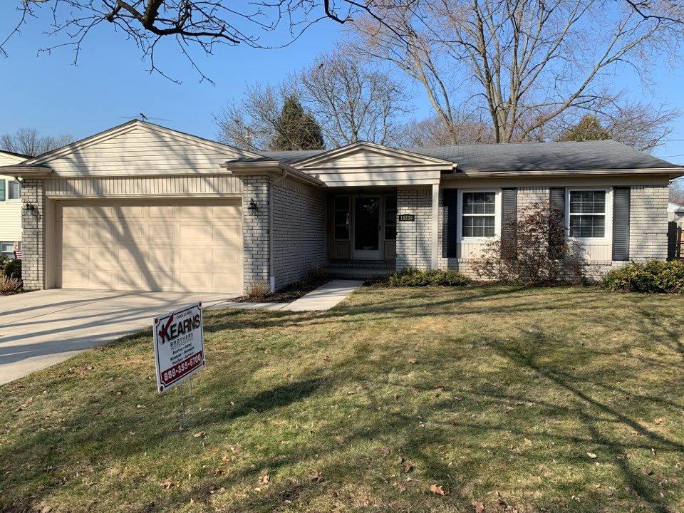Plymouth, MI - Kearns Brothers Inc. Installing new GAF timberline HD Z singles color Charcoal. Sold by James D.
