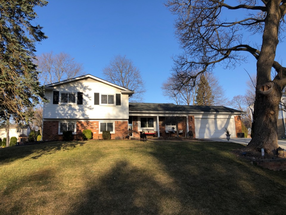 Novi, MI - Kearns Brothers Inc. providing a Roofing estimate