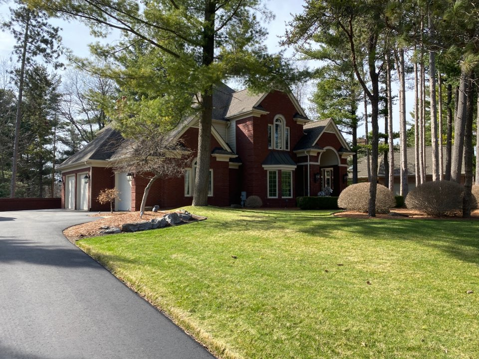 Brighton, MI - Have a leaking roof? In need of a new roof? Call Kearns Brothers and ask for Scotty P. If I can fix it we will talk about the new Timberline HDZ shingle.