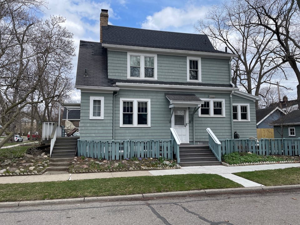 Ann Arbor, MI - Kearns Brothers Inc providing a Roof estimate