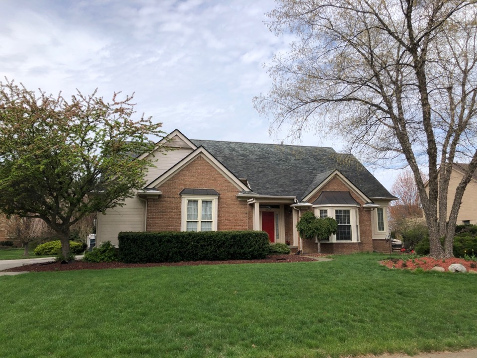 Troy, MI - Kearns Brothers Inc Providing a Roofing estimate