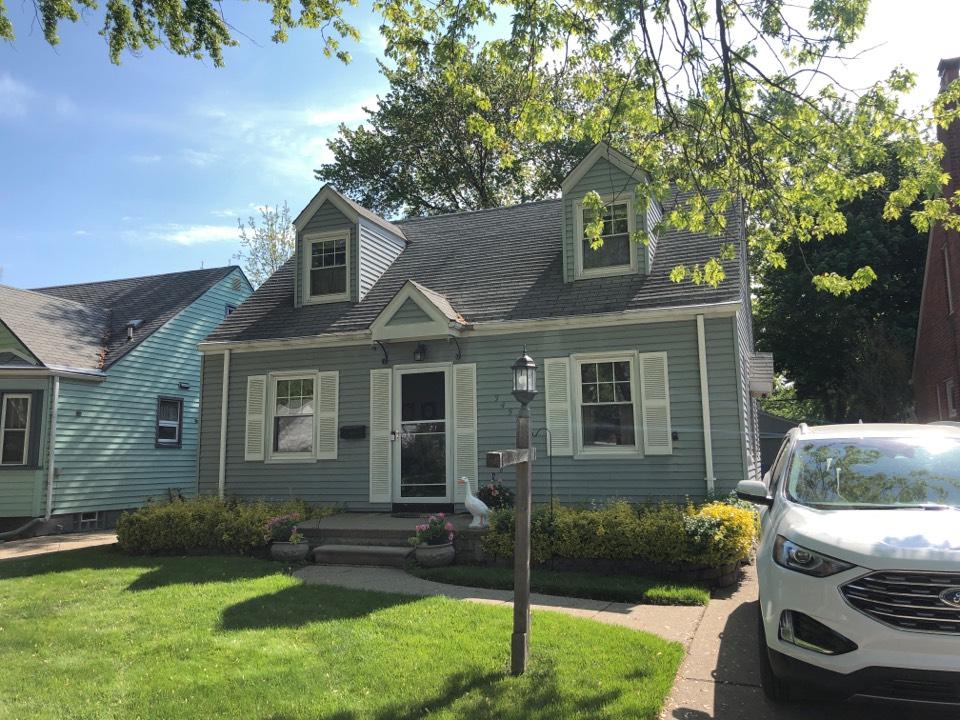 Dearborn, MI - Kearns Brothers Providing estimate for GAF lifetime roofing system. Timberline HDZ