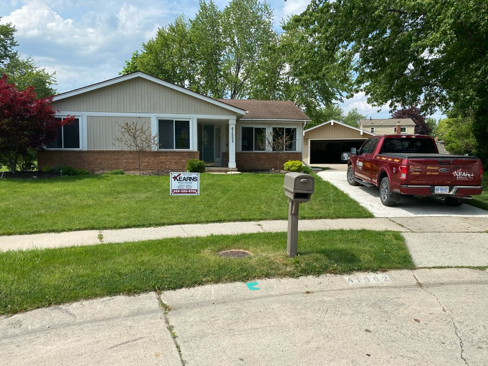 Canton, MI - Have a leaking roof? In need of a new roof? Call Kearns Brothers and ask for Scotty P. If I can fix it we will talk about the GAF Weather Stopper System with the new Timberline HDZ shingle.