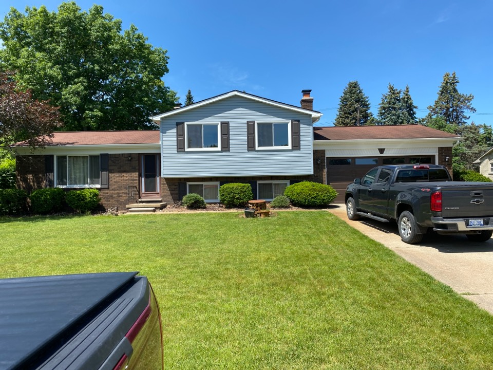Novi, MI - Have a leaking roof? In need of a new roof? Call Kearns Brothers and ask for Scotty P. If I can fix it we will talk about the  GAF Weather Stopper System with the new Timberline HDZ shingle.