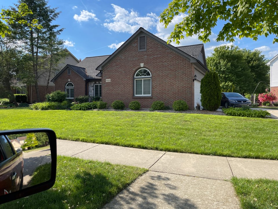 Canton, MI - Kearns Brothers remove and replace existing damage wood and cover with new aluminum trim and vinyl soffit