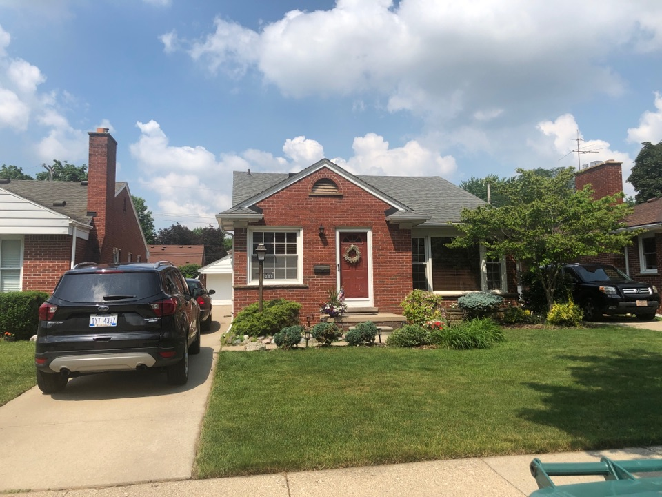 Dearborn, MI - Kearns Brothers Inc. Providing free roof inspection