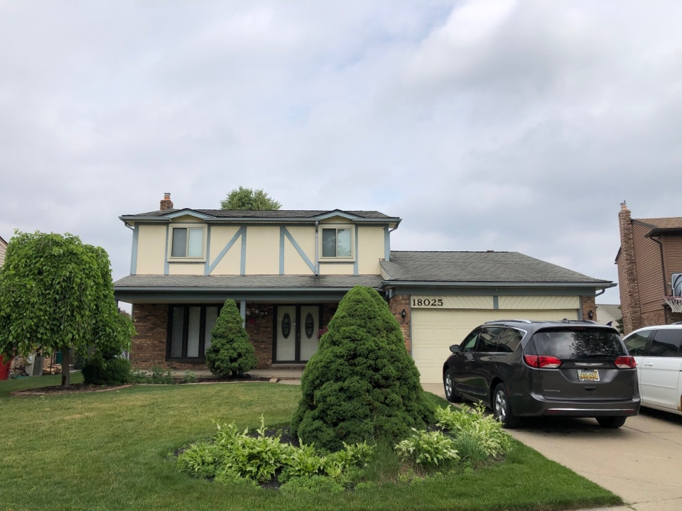 Macomb, MI - Kearns Brothers Inc Estimating for a new GAF HDZ lifetime roofing system.