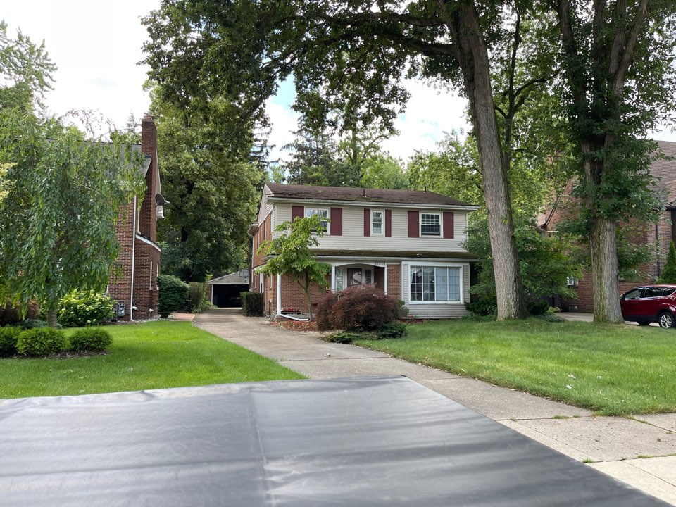 Dearborn, MI - Kearns Brothers Inc. to replace roof with new GAF Timberline high definition Z shingle
