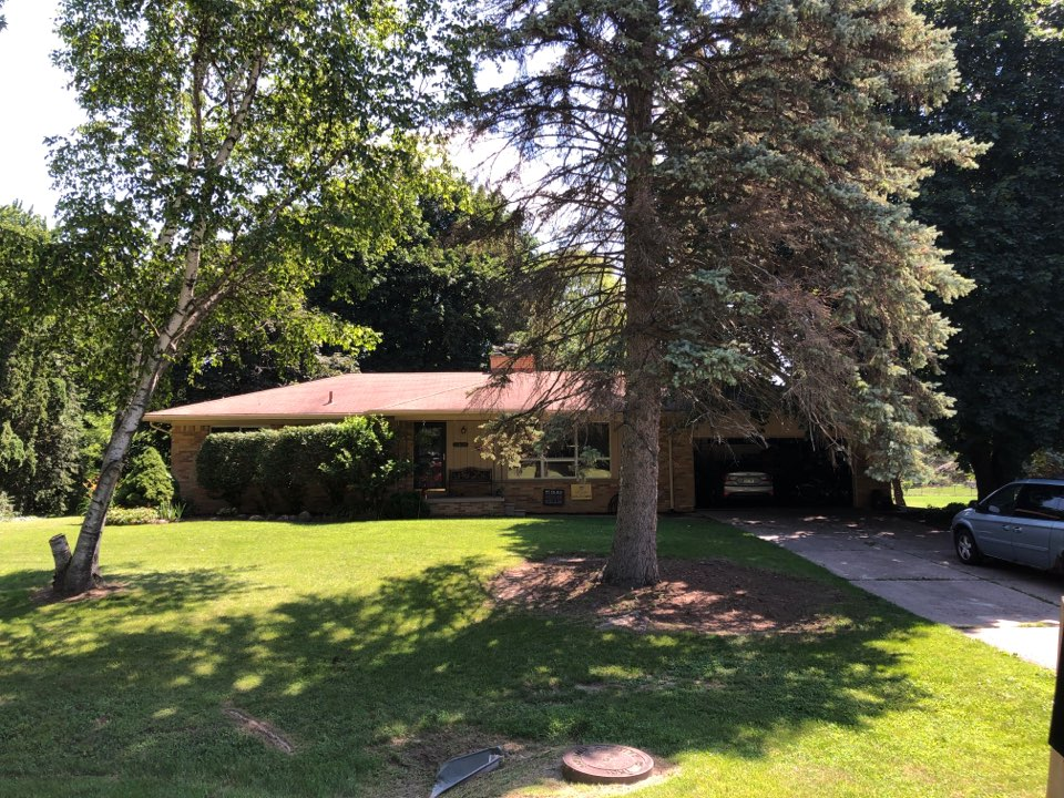 Troy, MI - Kearns Brothers Inc Providing an estimate for a GAF Lifetime Roofing System