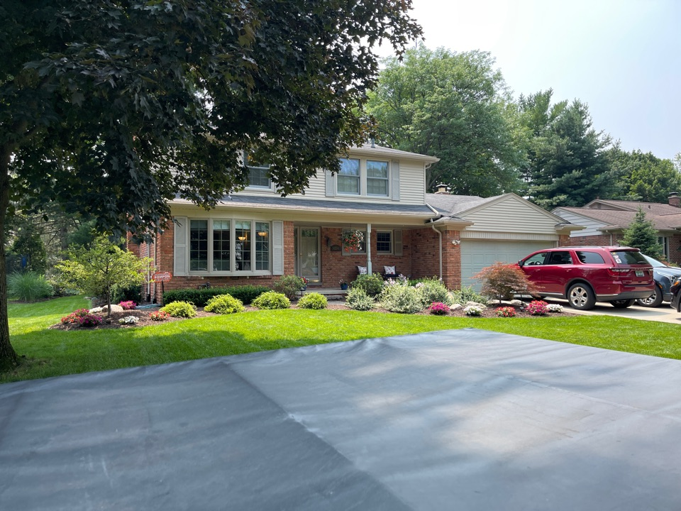 Northville, MI - Kearns Brothers Inc to install new GAF Timberline high definition Z shingles new energy star rated cellulose insulation and new seamless 5 inch cast-iron gutters gutters