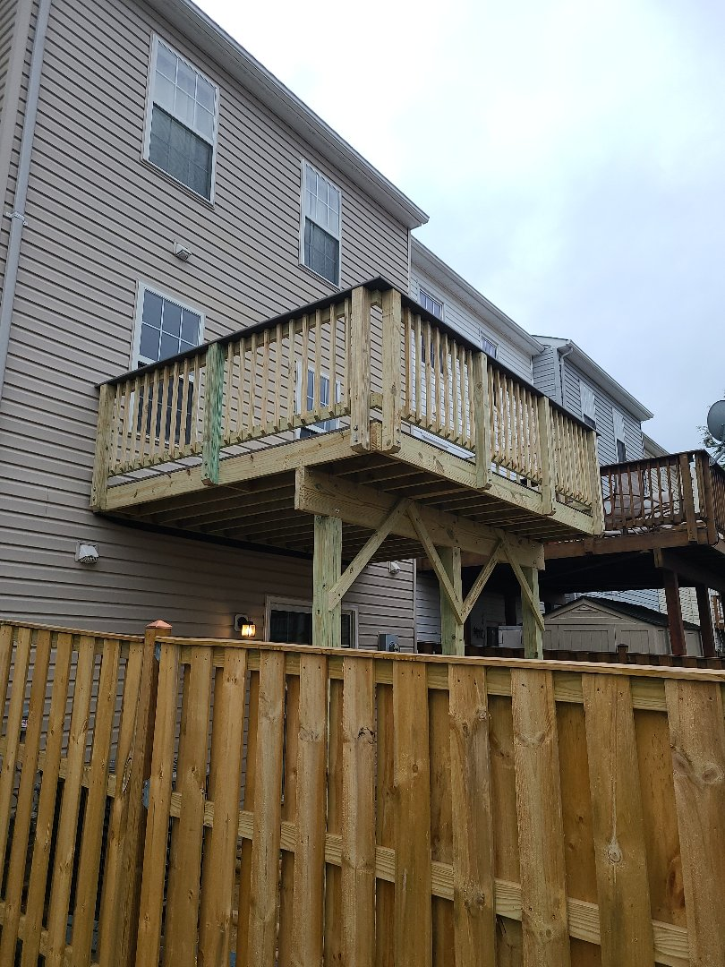 HYBRID DECK COMPLETED IN SPRINGFIELD VA; FAIRFAX COUNTY  (TREX SELECT PEBBLE GREY)