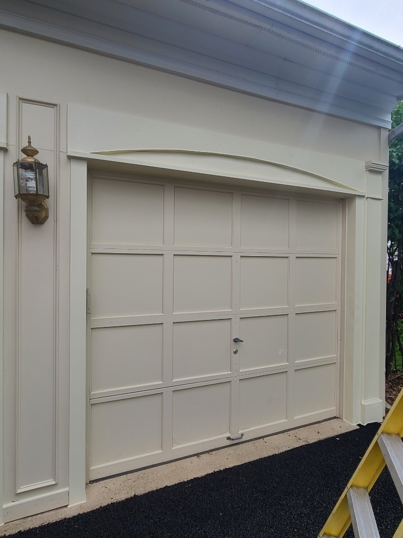 Bristow, VA - GARAGE DOOR TRIM PACKAGE INSTALL. (BRISTOW VA)