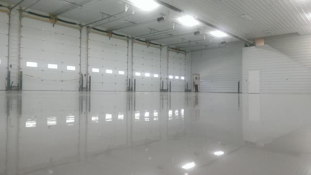 Basehor, KS - Speakman Flooring's coatings are unreal! I don't know if it is the system that they are using, or the products they use for the job, or just their plain skills, or maybe its all three, but they do outstanding floors!