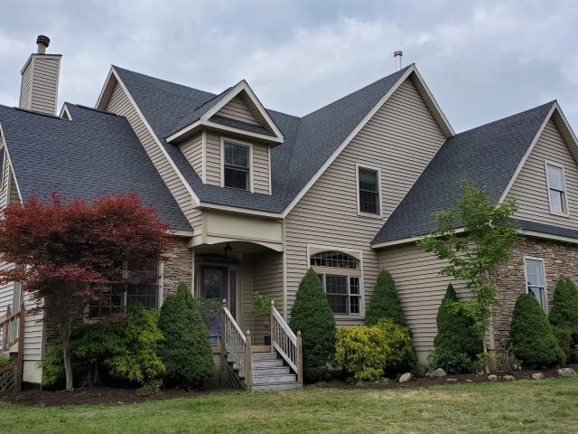 East Concord, NY - Completed this roof replacement with GAF Timberline HDZ shingles