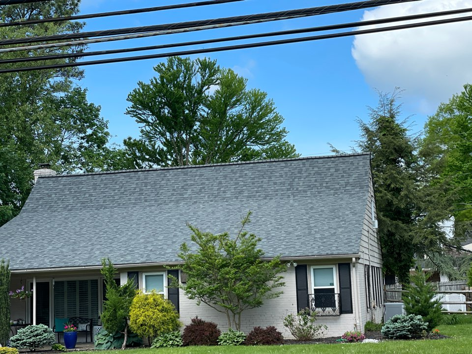 Pikesville, MD - Beautiful new Timberline HDZ Lifetime warranted roofing system. Color Pewter Gray.