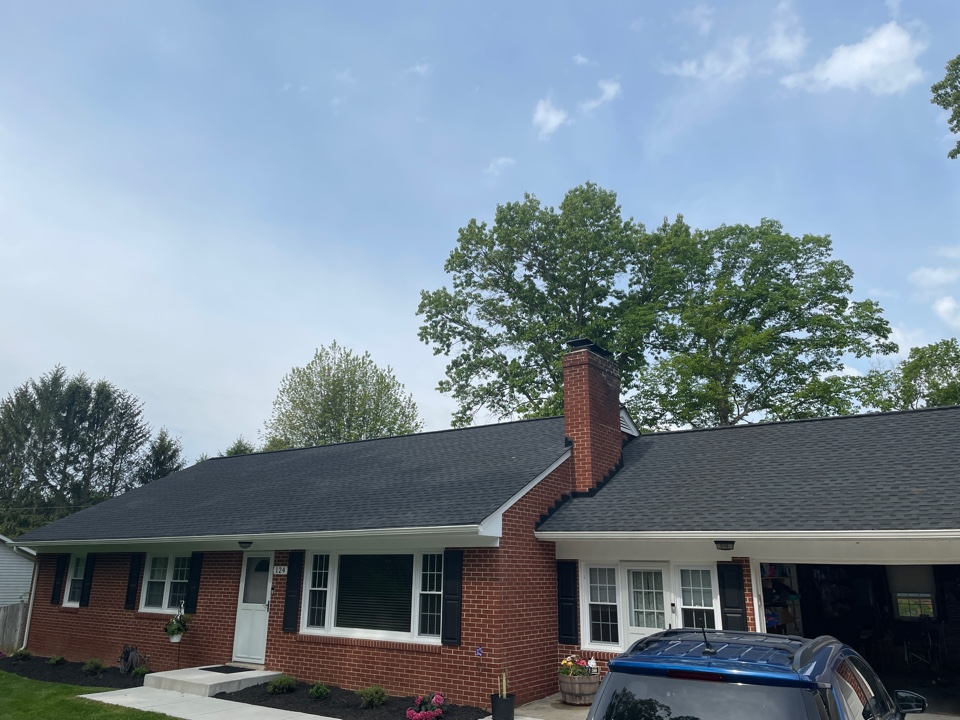 Westminster, MD - Another beautiful new Timberline HDZ lifetime warranted roofing system installed to GAF specifications