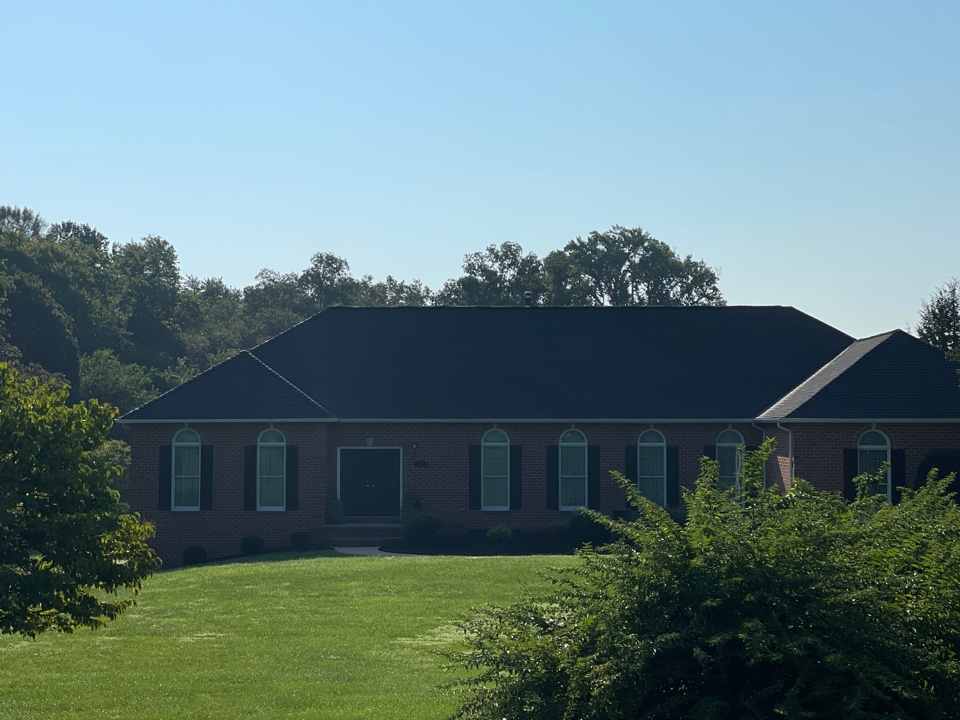 Jarrettsville, MD - Another beautiful new Timberline HDZ lifetime warranted roofing system installed to GAF golden pledge specifications. Color is charcoal.
