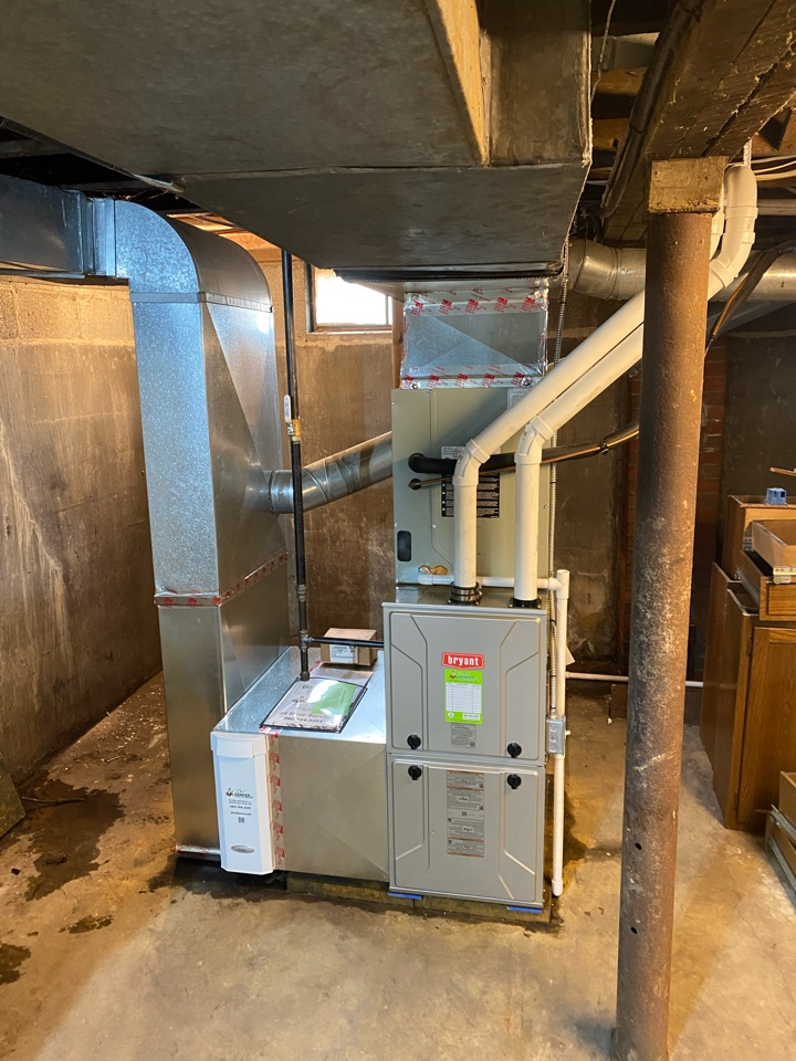 Woodburn, IN - Install Bryant furnace.