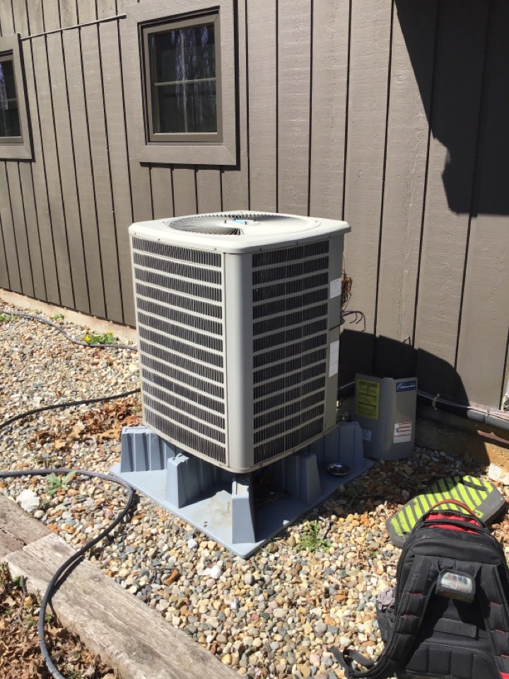 New Haven, IN - Fall of 20' and the spring of 21' check and service a/c and furnace units.