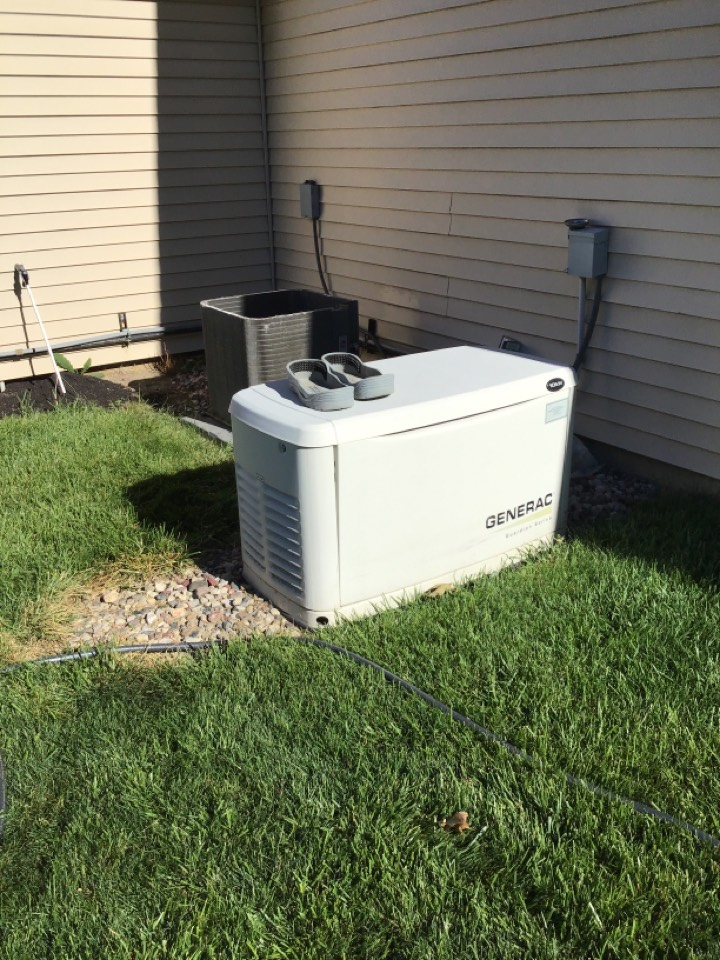 Fort Wayne, IN - Spring 21' check and service a/c and generator.