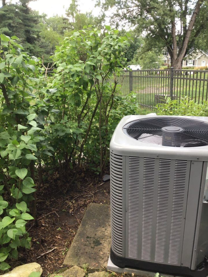 Fort Wayne, IN - Spring 21' check and service a/c unit.