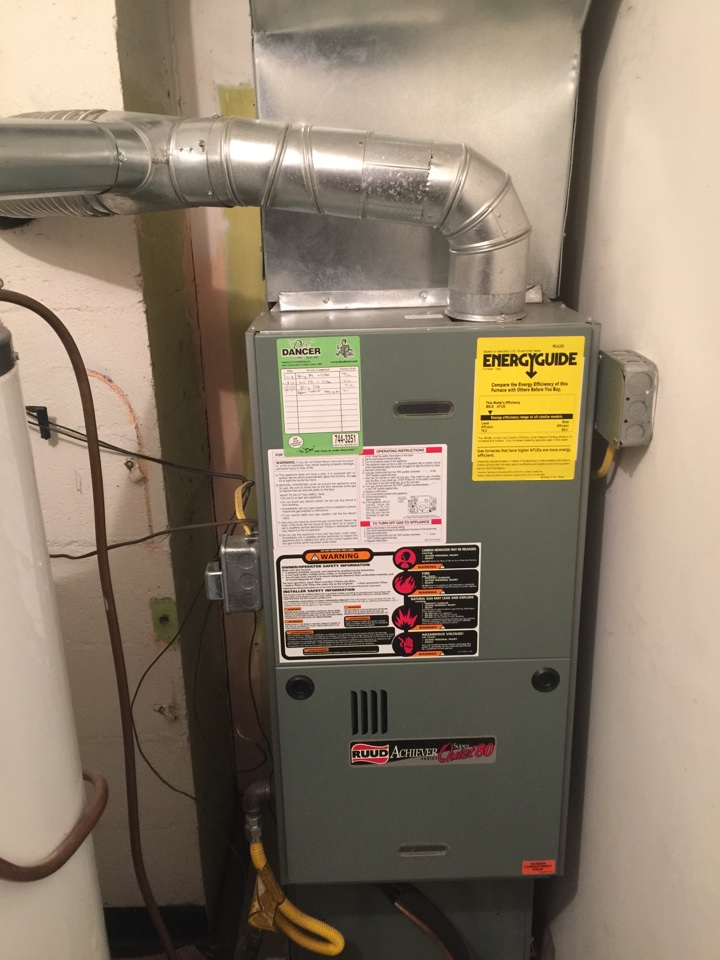 Roanoke, IN - Yearly furnace maintenance on a rheem 80%