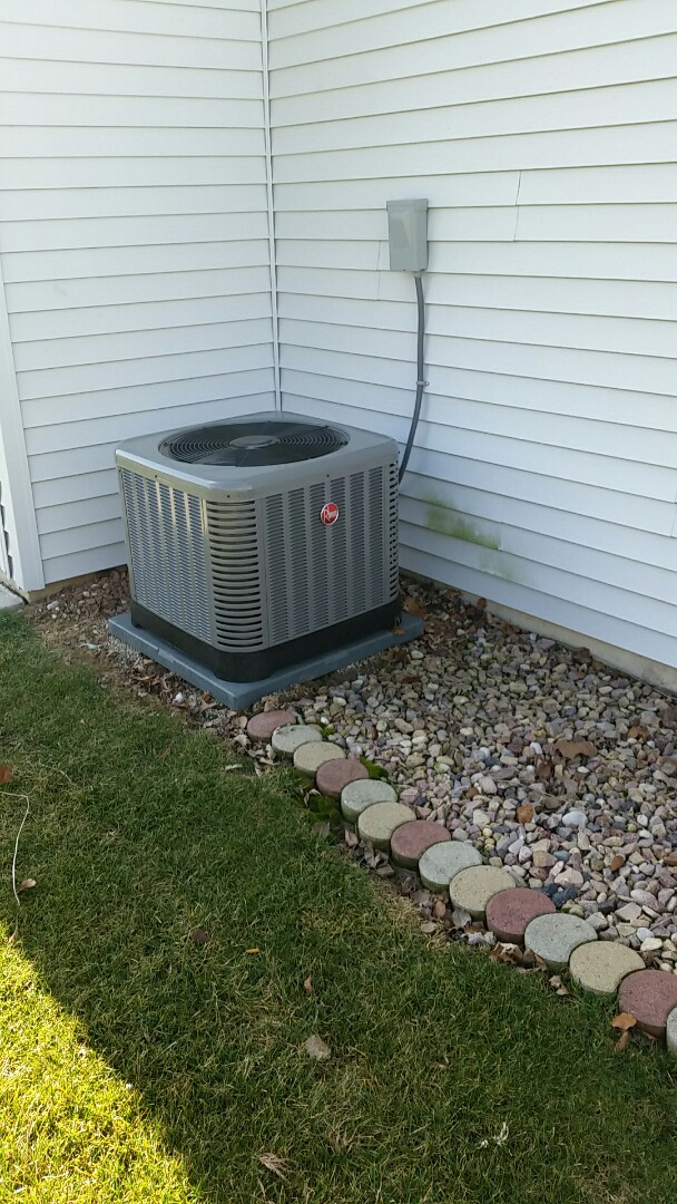 Roanoke, IN - Installation of a Rheem air conditioner operation check