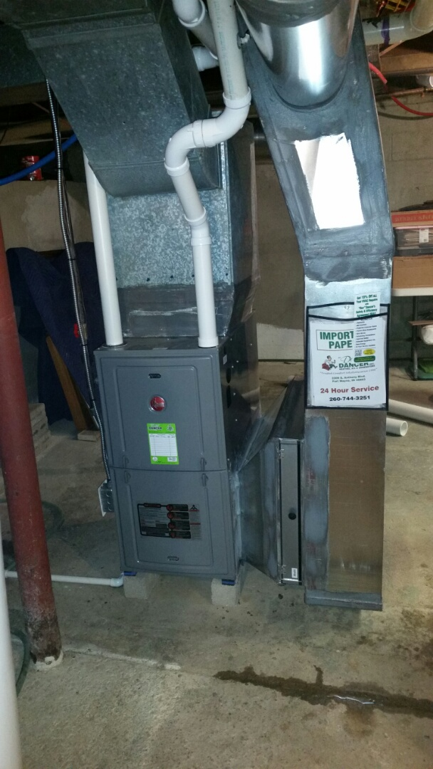 Columbia City, IN - Installation of a Rheem 95% high-efficiency furnace