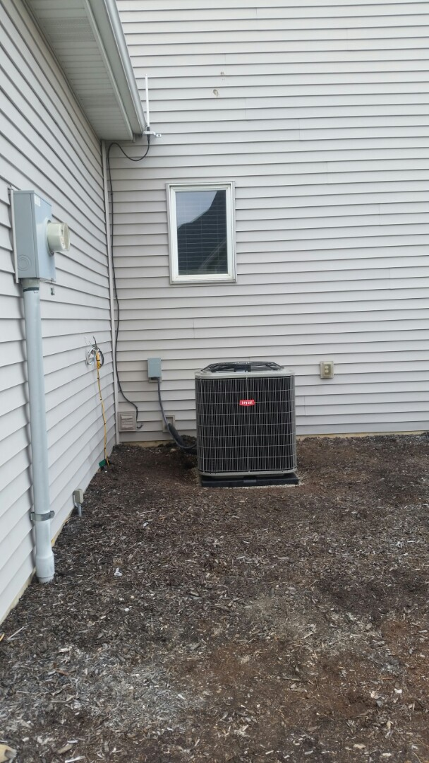 Fort Wayne, IN - Installation of a 4-ton air conditioning Bryant condenser