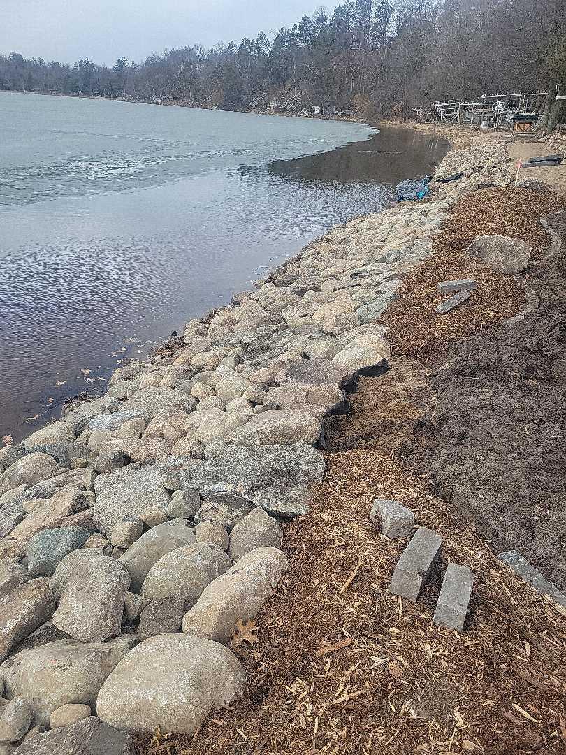 Nisswa, MN - Shoreline rocks install