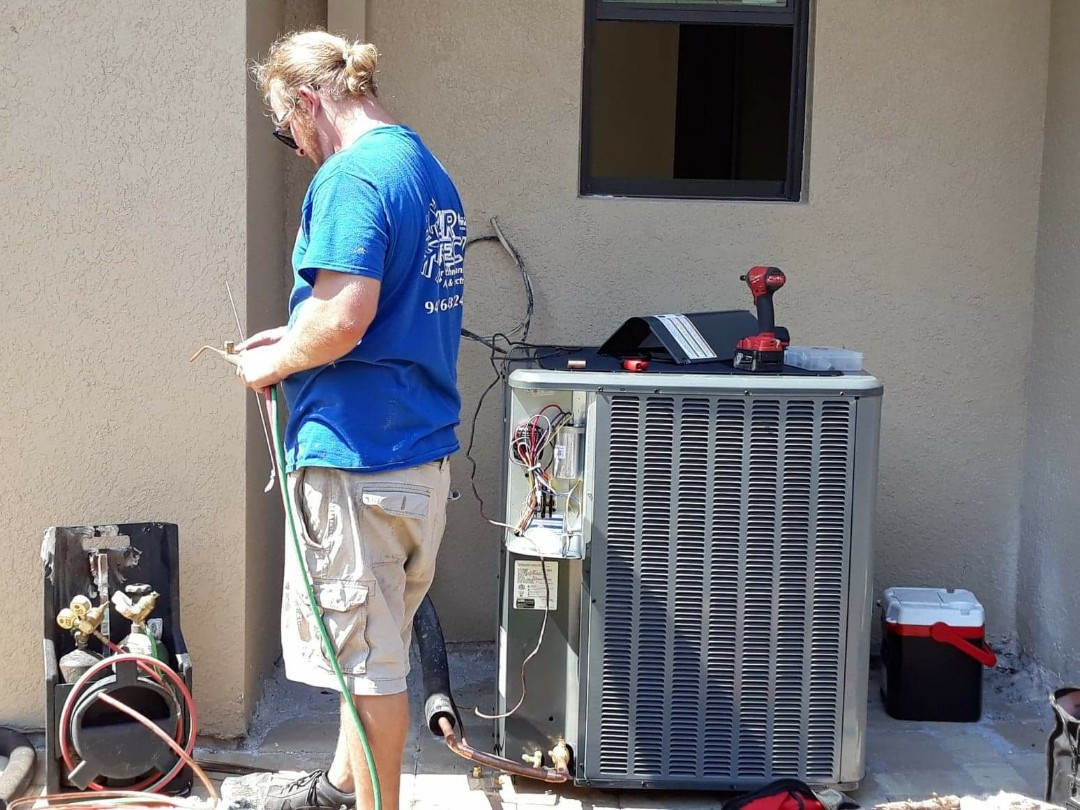 Rotonda West, FL - Installing a Brand New Amana Condensing Unit in Rotonda West for DM Dean