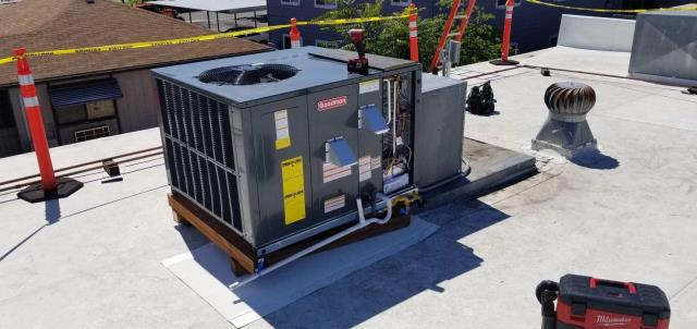 Phoenix, OR - Installation of new roof top package unit for commercial building. Old system quit working. New system will be more efficient, quieter, and provide comfortable environment for tenants to run their restaurant.
