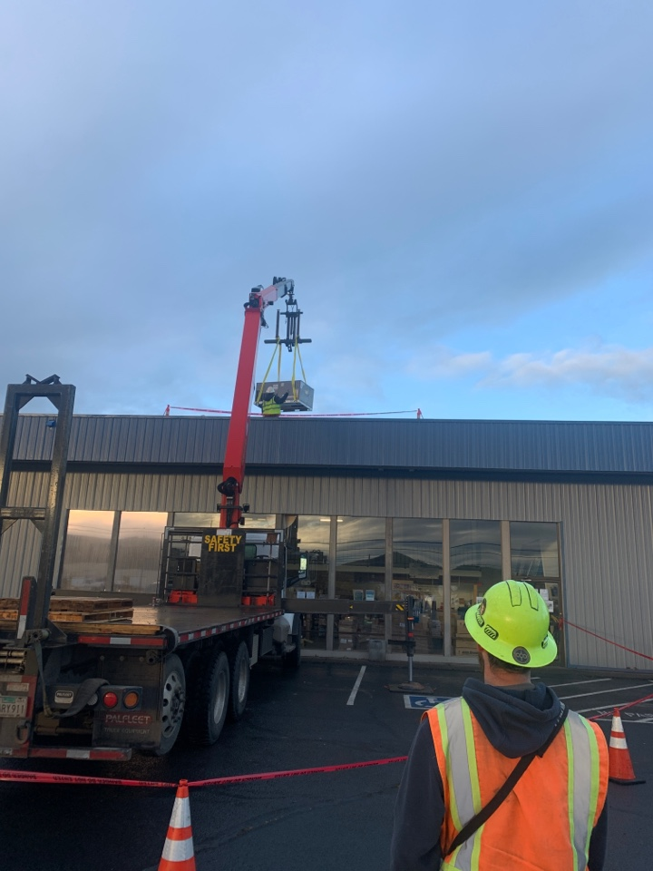 Central Point, OR - Installation of a new Carrier gas/electric package unit on a commercial building. Previous unit could have been repaired but costs were enough that replacement was the better economical choice.