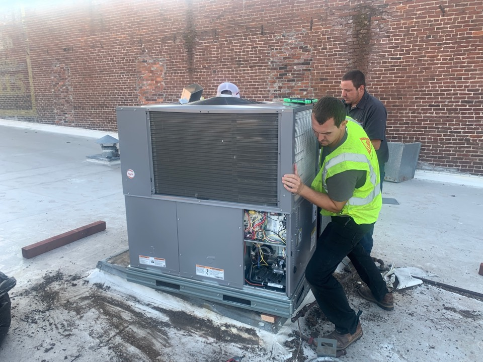 Grants Pass, OR - Installing a new Payne gas heat/electric cool package unit. New system will operate at about 13 SEER compared to the original 7 or 8 SEER unit.