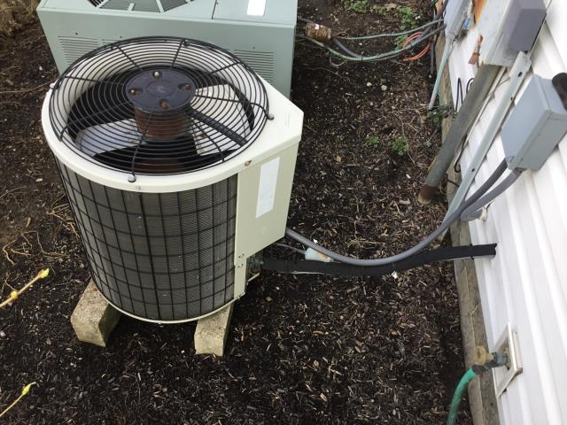 Dublin, OH - Provided estimate for Dublin customer to install new Carrier heating and cooling system. Pictured below is the current condenser unit.