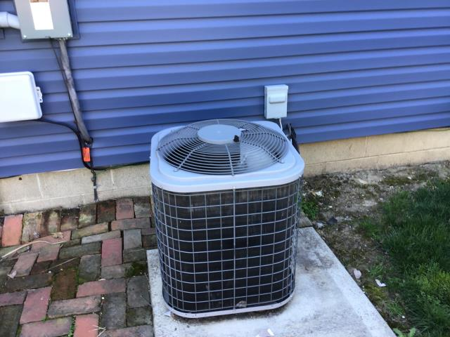 Reynoldsburg, OH - I added Refrigerant R-410A Puron to the ICP Air Conditioner