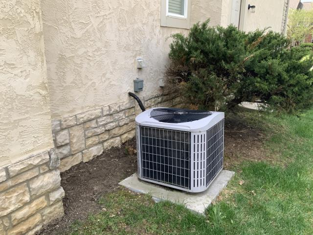 Dublin, OH - Seasonal maintenance on 2006 Carrier AC. The system is running properly and is in good condition