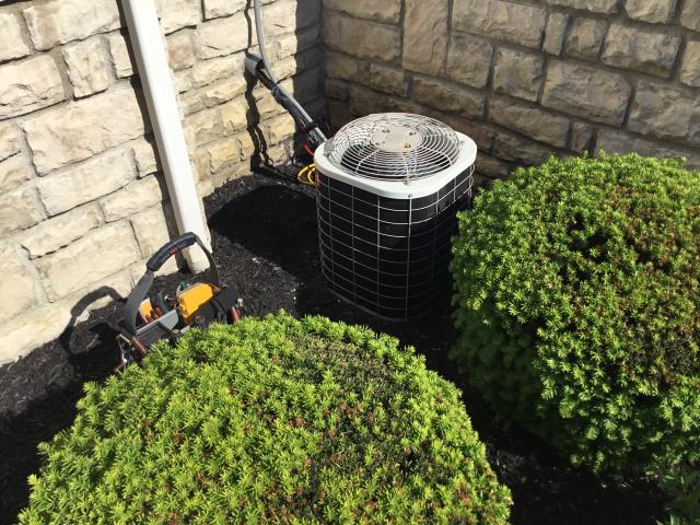 New Albany, OH - Search for Refrigerant Leak with Electronic Leak Detector