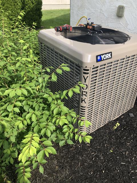 Powell, OH - Performing our Five Star Tune-Up & Safety Check on a York  Air Conditioner