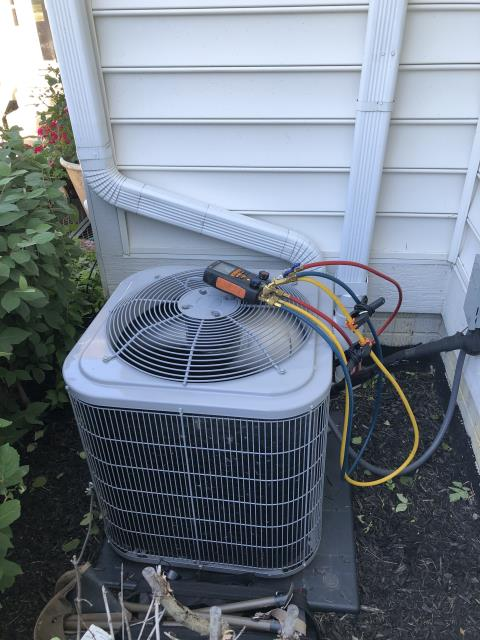 Dublin, OH - I Performing our Five Star Tune-Up & Safety Check on a Air Conditioner