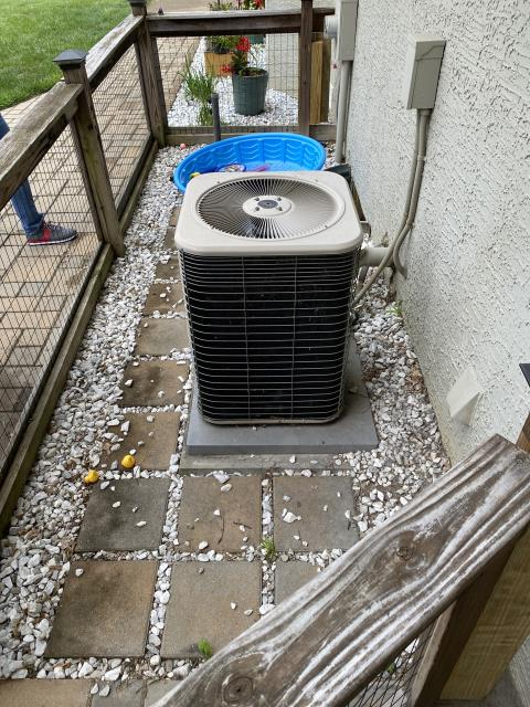 Westerville, OH - Provided customer quote to replace Lennox AC with Carrier equipment. Pictured below is the Lennox.